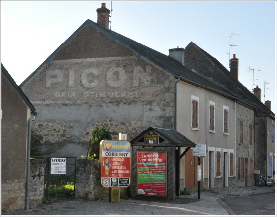 Pub-Picon-D777-Chateau-Chinon