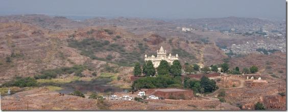 Mausolee-Jaswant-Thada-1_thumb.jpg