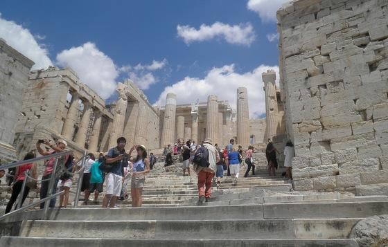 Propylées entrée au temple d'Athéna, porte sur le Parthénon