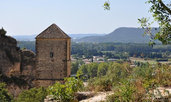 1074-vue-chateau-de-mornas