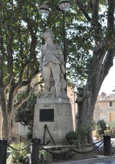 1202-st-cannat-statue-suffren